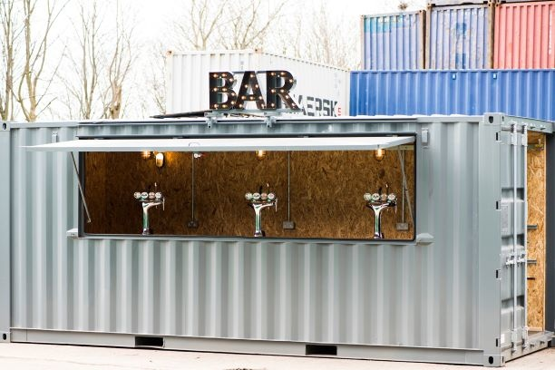 Container bar with 3 beer taps