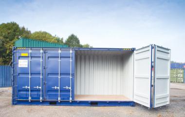 One door open 40ft blue container