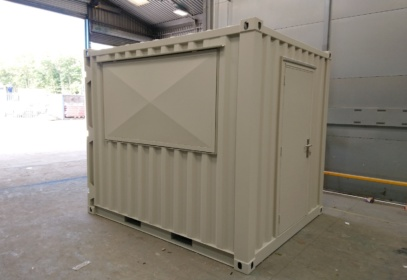 Closed hatch shipping container