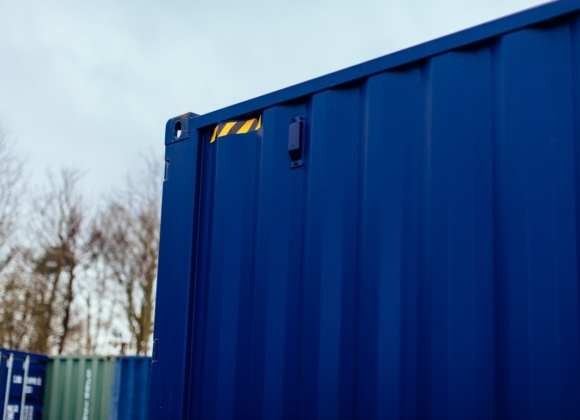 Top corner of blue container