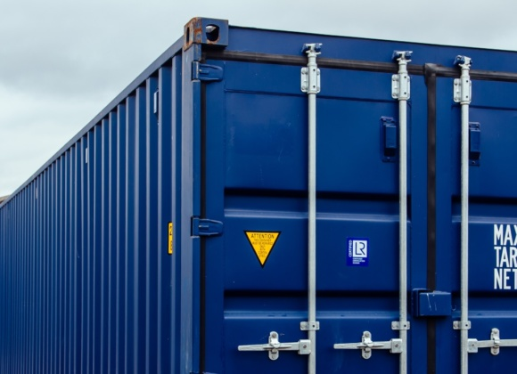 Blue container top