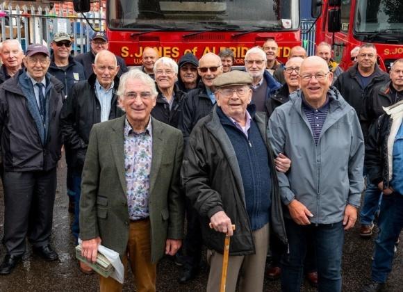S Jones 100th birthday group photo 1